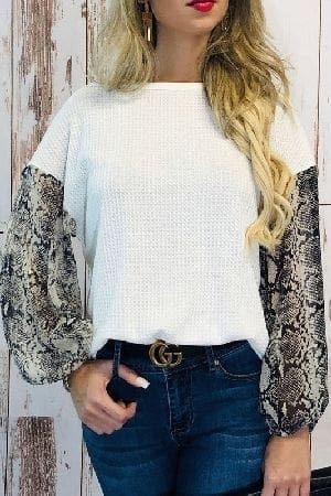 Snake pattern balloon sleeve top