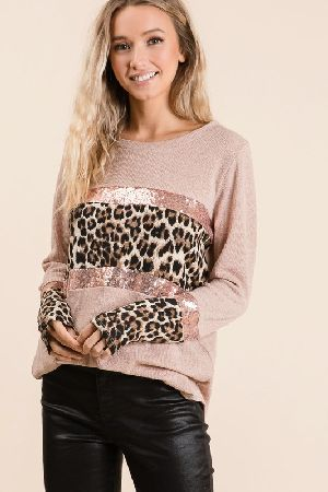 SWEATER KNIT TOP WITH SEQUINS AND LEOPARD BLOCK