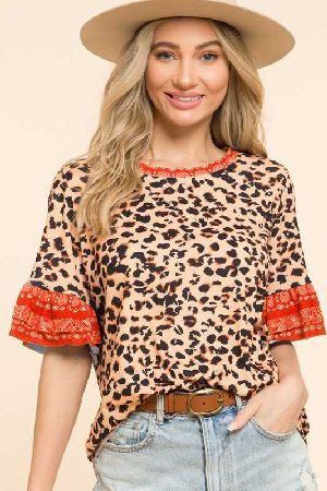 Leopard printed top ruffle with paisley