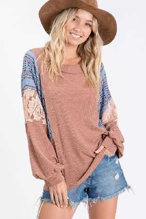 Ribbed knit fabric casual top