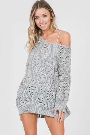 V NECK CABLE KNIT SWEATER TOP