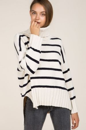 Contrast stripe turtleneck sweater