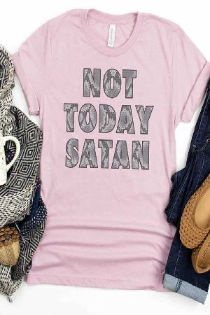 Graphic Tee Not today Satin