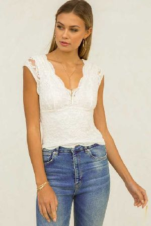 Scallop Edge Lace Crop Top