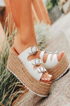 Comfortable buckled up wedges