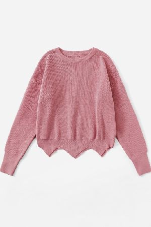 Heart patched scallop crop pullover