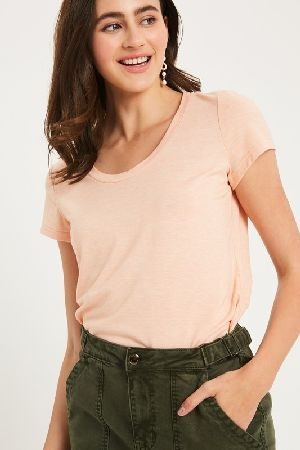 Criss cross back sleeve T-shirt