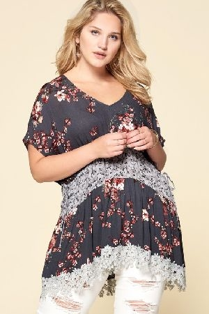 Lace edge hem mixed floral tunic