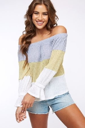 Color block of shoulder knit top