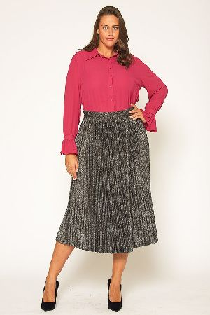 Plus Size Shimmering Pleated Midi Skirt