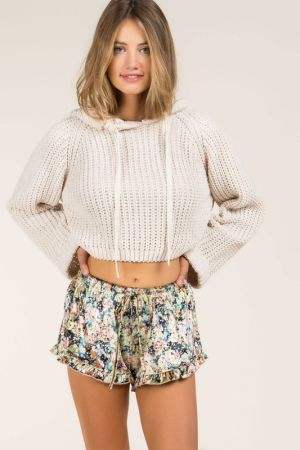 Cropped dumpy hooded sweater with back pleart