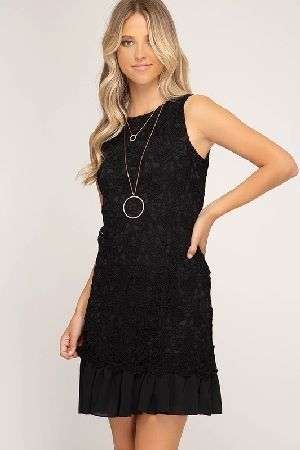 Sleeveless crochet lace dress with ruffled hem